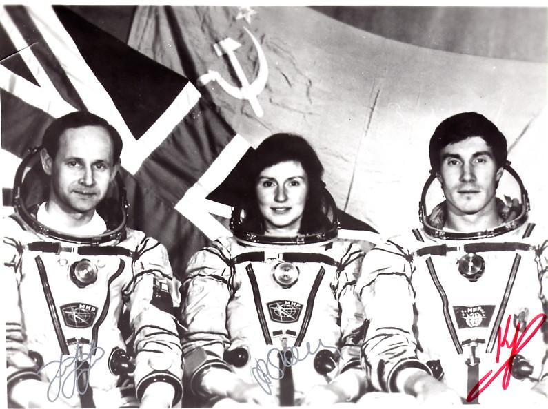 25 mars 1992 / 2 cosmonautes changent de nationalité / Sergueï Krikalev et Alexandre Volkov 3379873957_fac972f3a3_o