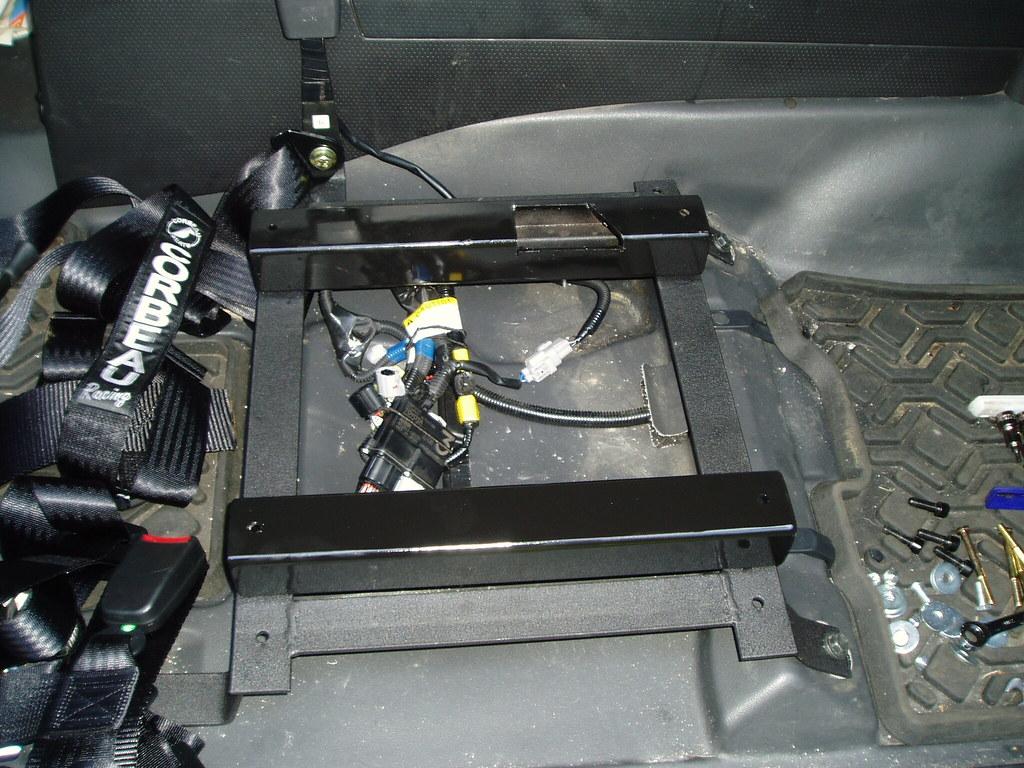 Any fix for driver's seat bottom cushion? 2732605931_95f6f5c217_b