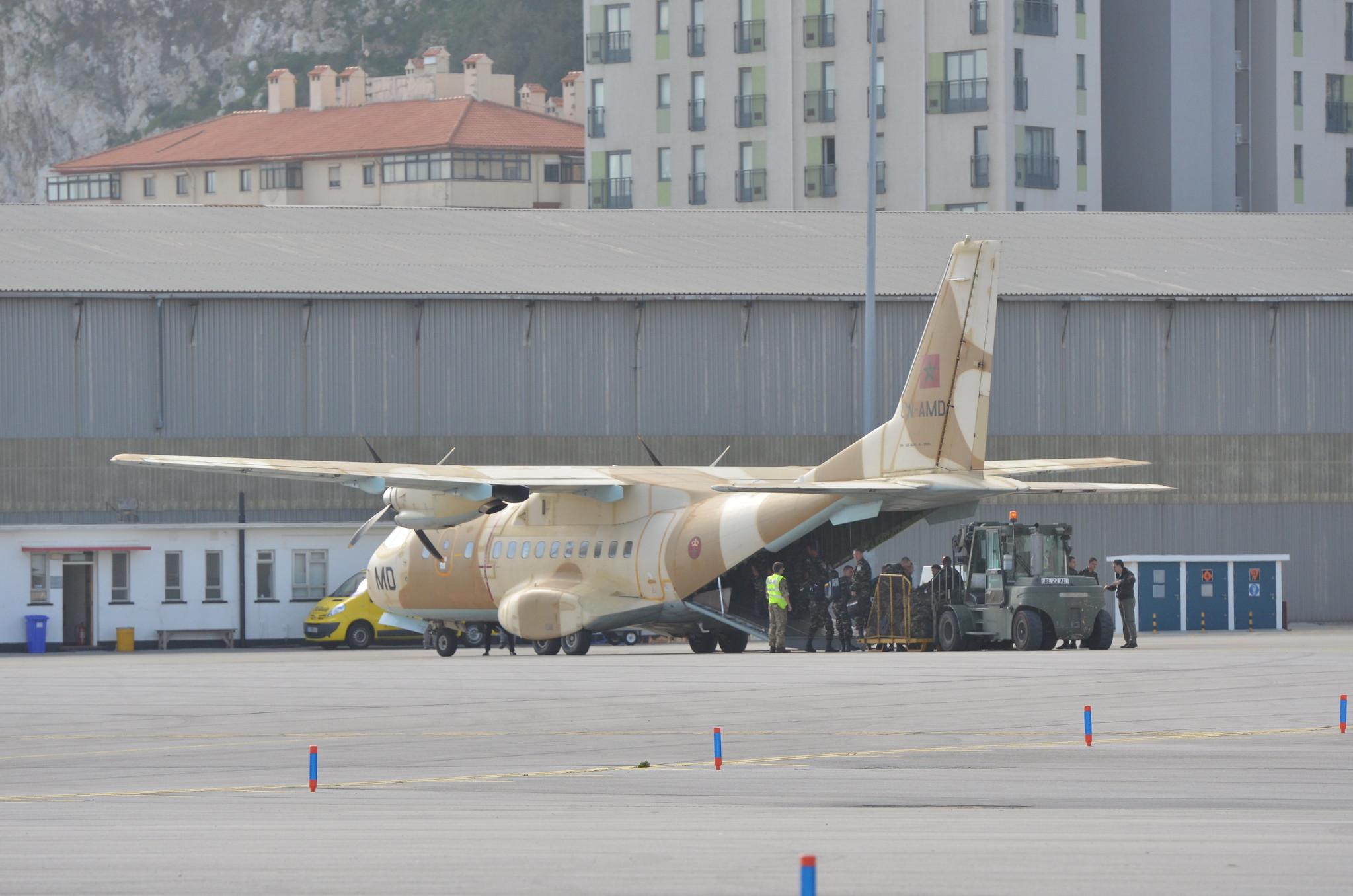 طائرات النقل العاملة بالقوات المسلحة المغربية 13060138713_c6c37489e0_k