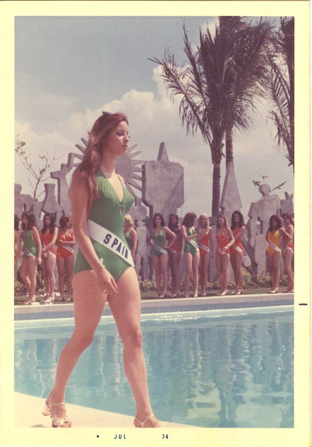 amparo munoz, miss universe 1974. † - Página 2 2896184257_891b54b92a_o
