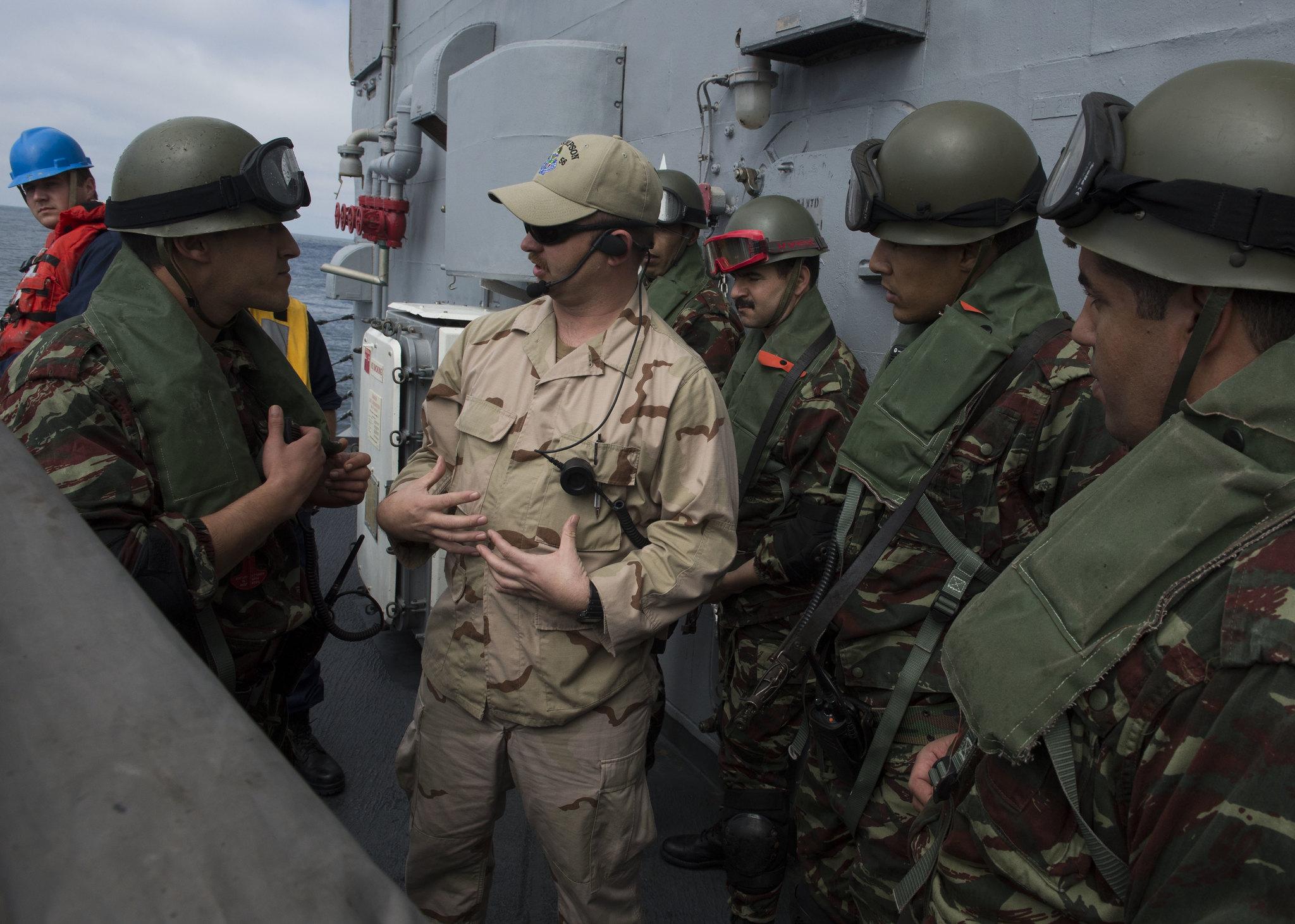 PASSEX 2014-3 : USS Simpson ( FFG56 ) et RMN Hassan II ( 612 ) 12990427904_4438e02b95_k