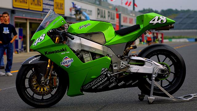 Machines de courses ( Race bikes ) - Page 18 3501128639_4efe365a4c_o