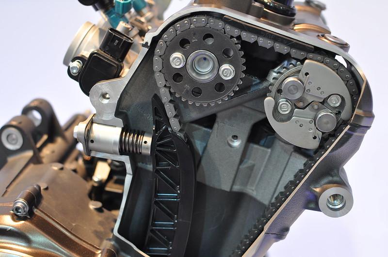 Photos moteur MT-09 ( pour ceux qui ont un pb de distri notamment ) 11352289055_2d95924666_c