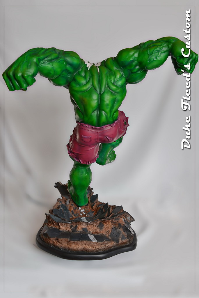 Red to green hulk comiquette 9765035946_ea916a71ff_b