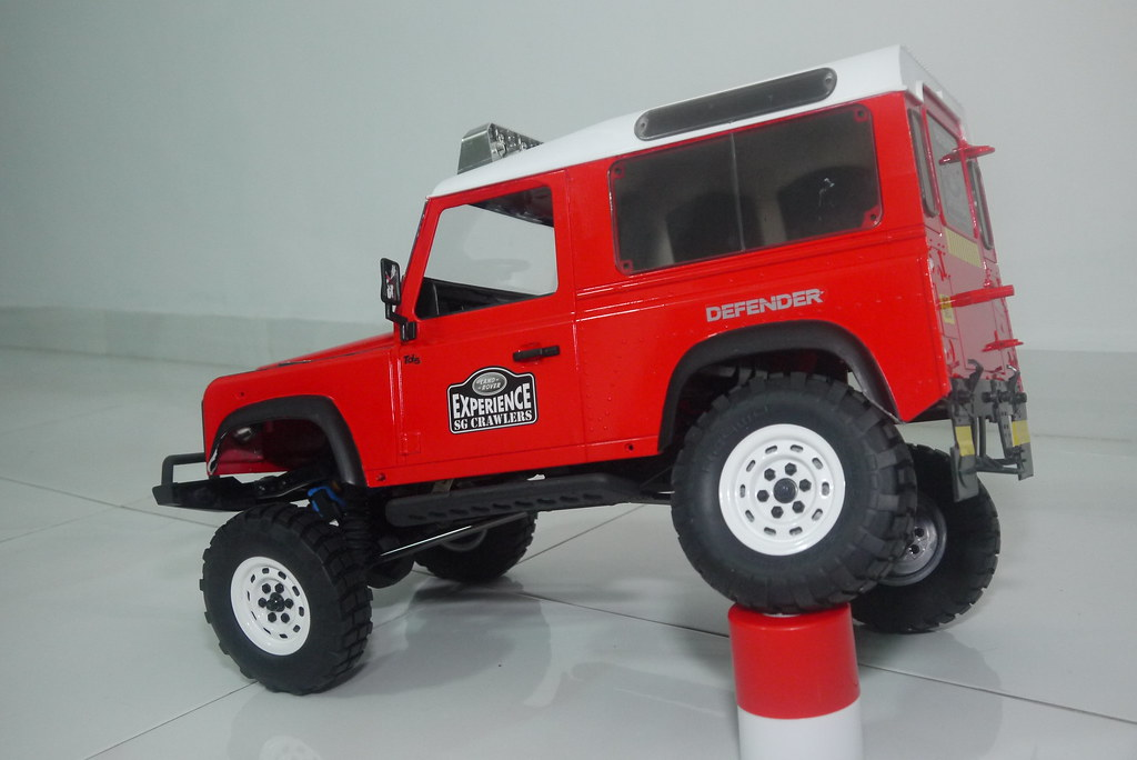 land - Babyboy's Land Rover Defender D90 on Axial SCX10 9407592475_e084f6ece0_b
