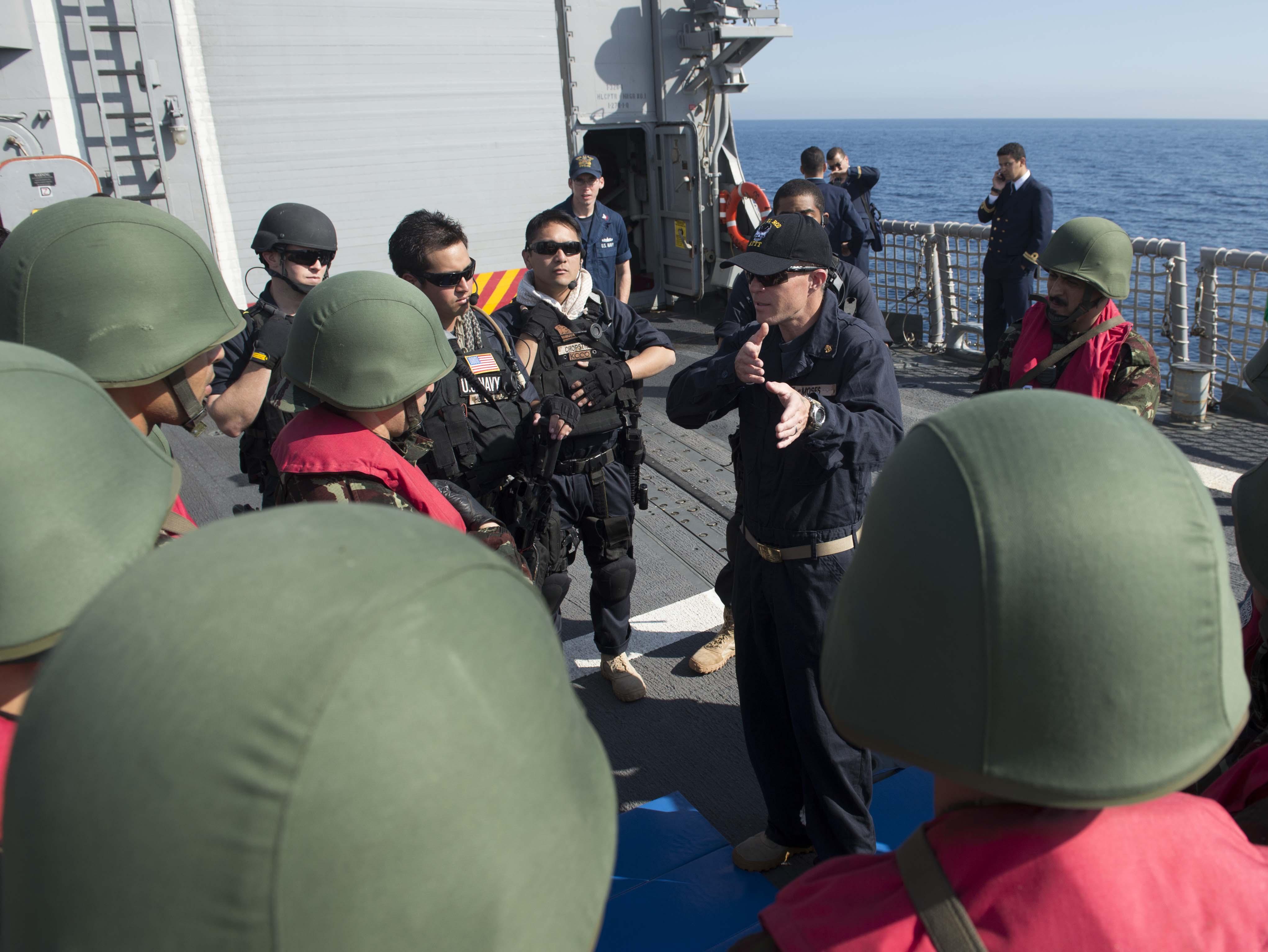 PASSEX 2014-1 ( USS Elrod (FFG55) et RMN Allal Ben Abdellah (615) ) 12363698615_2f23162be9_o