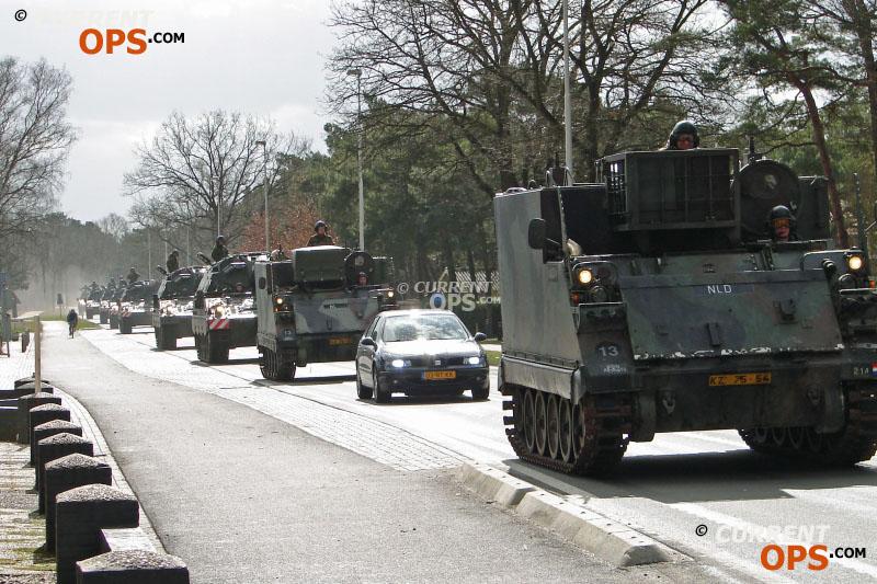 Armée Hollandaise/Armed forces of the Netherlands/Nederlandse krijgsmacht - Page 14 12707342134_054c0d7ec2_o