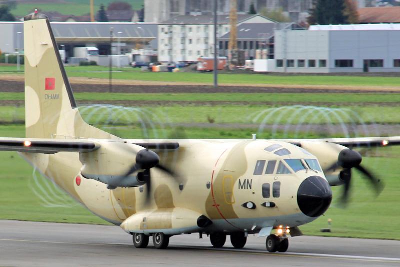 طائرات النقل العاملة بالقوات المسلحة المغربية 10558317524_41e35e9c5d_o