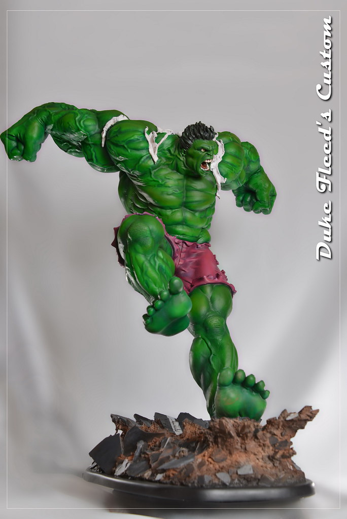 Red to green hulk comiquette 9765052474_3a03bd6115_b