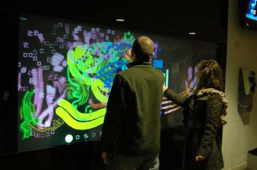 "SenseWall: Universidade de Coimbra apresenta ""parede"" interactiva multi-toque 4251730423_b63b676788"