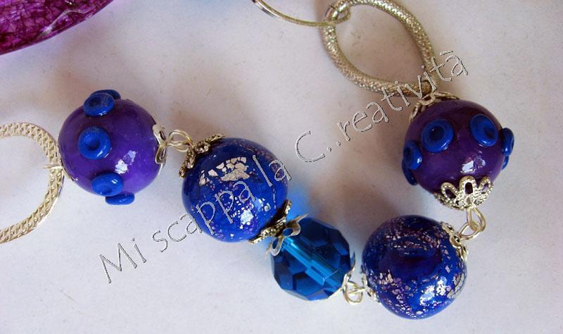 Collana blu e viola 4675050095_dba2bba08f_b