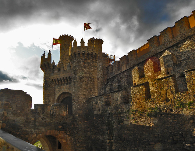 10 castillos que parecen de cuento en España 4618509651_3d45997a4a_z