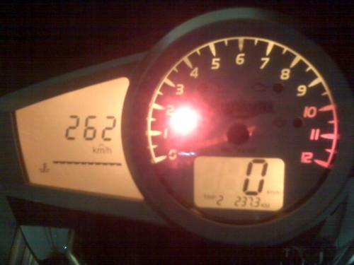 Primeiras impressões - Triumph Speed Triple 1050 - com fótio - Página 2 4681692029_8c0329d956