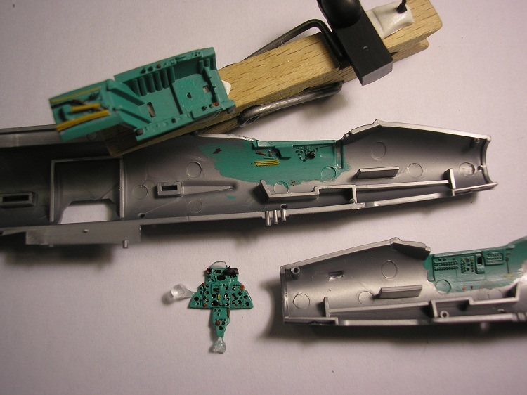[Concours pinceaux] Mig 21 F-13 Fishbed C [Revell 1/72] 4558919704_630762d1be_o