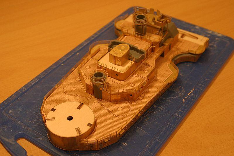 Chris' Schlachtschiff Bismarck von Amati 1/200 4208725489_d39b44dfdc_o