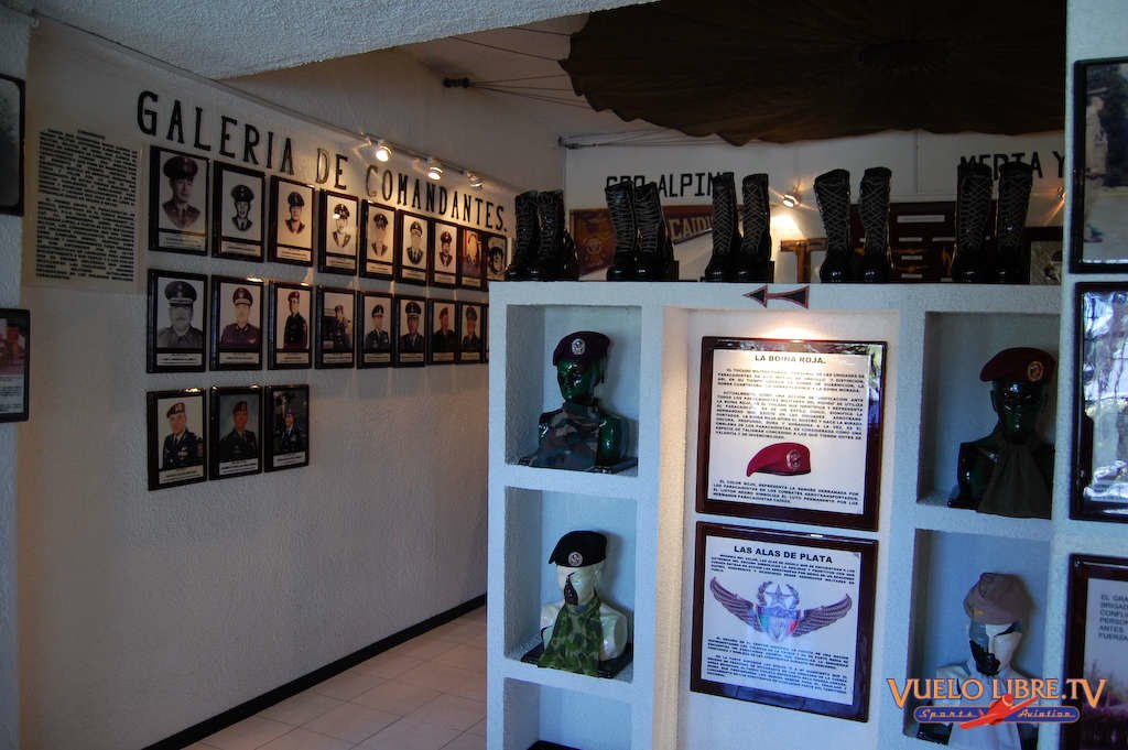 Museo de la Brigada de Fusileros Paracaidistas (Fotos) 4743586282_4b2362ba49_o