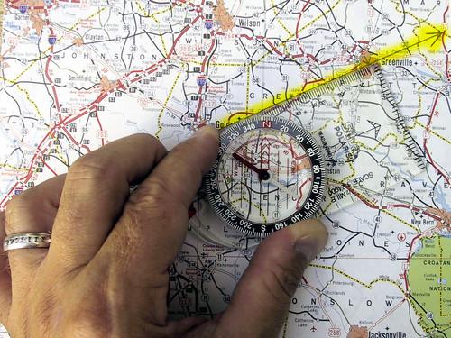 Introducción al mundo de la navegación terrestre con brújulas o, cómo ser el centro de la fiesta y recibir aplausos... 4832535681_8aac6a01d7