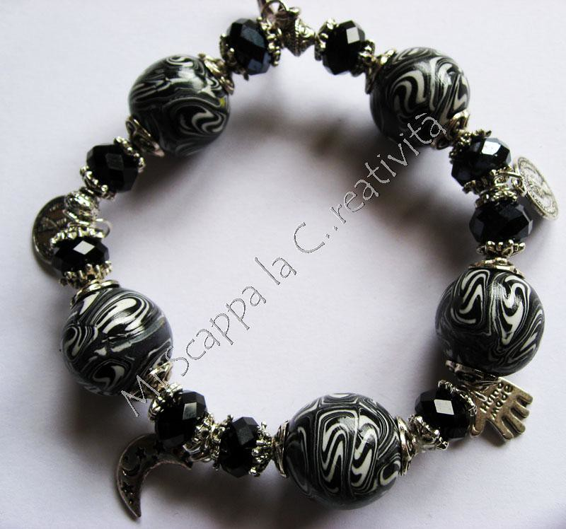 Parure Swirl Black&White 5201066551_1d04782f66_b