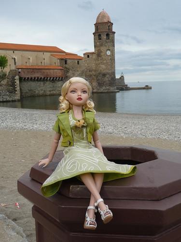 Mon ellowyne à Collioure !!! (basique blonde 1) 4744343560_f06977c5a3