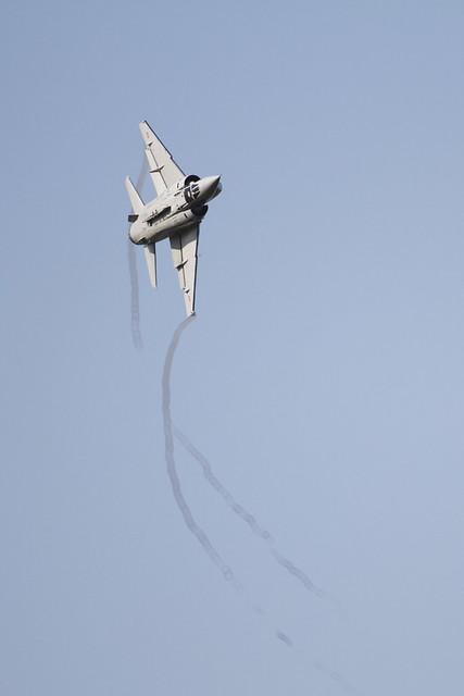 Photos d'avions militaires - Page 15 5057647597_e16a9baa05_z