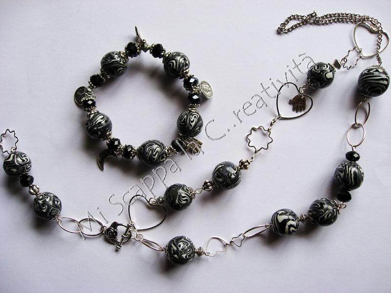 Parure Swirl Black&White 5201659794_6f4f277a0b_b