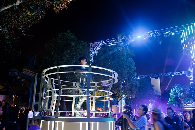 [Disney California Adventure] ElecTRONica (08/10/10 - 15/04/12) - Page 2 5065226991_a157544774_z