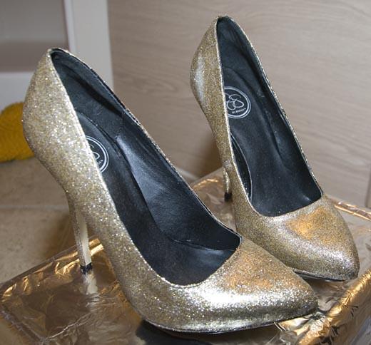 ابهري زوجك بعمل حذاء جليتر جميل للسهرات 5331314557_905884b2cd_z