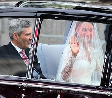 พิธีเสกสมรส เจ้าชายวิลเลียม และ เคต ดัชเชสส์แห่งเคมบริดจ์ 29/04/2011 5668862915_a344f237b9_z