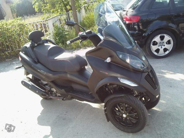 Le MP3 400 LT Sport noir mat de jerome_bachata 5804031681_b7e2c2a6a5_z