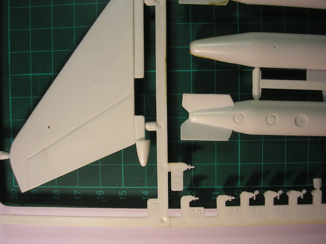 Dassault Rafale A [Heller réf. 80421 et 60421] 5446612094_d95a1c622f_z