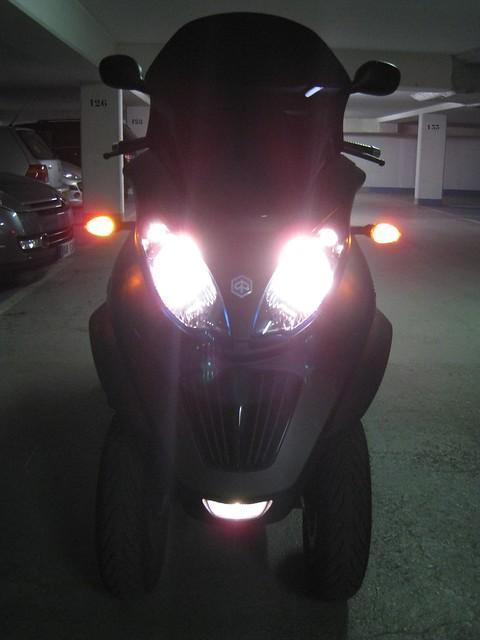 Le MP3 400 LT Sport noir mat de jerome_bachata 5526681787_37024874bb_z_d