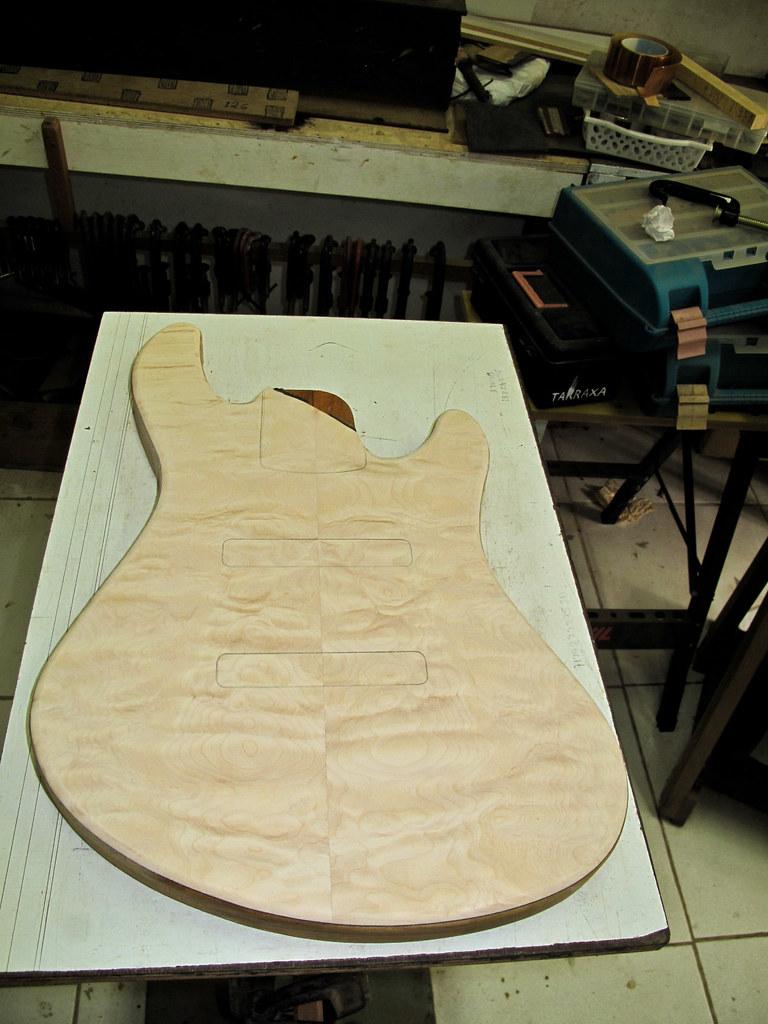 Jazz Bass Custom 5 - M Laghus - Página 2 5893438757_e552900824_b