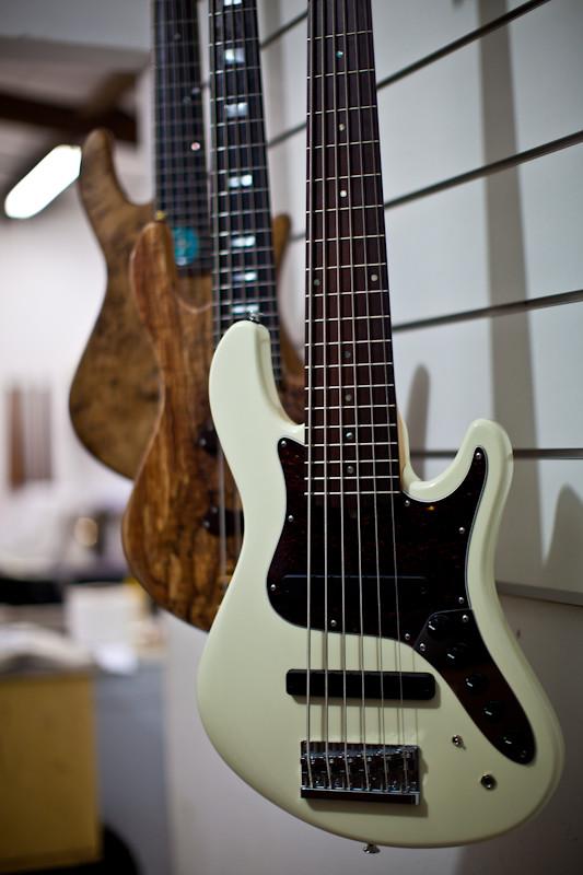 Mostre o mais belo Jazz Bass que você já viu - Página 2 5671932589_575cec7c89_b
