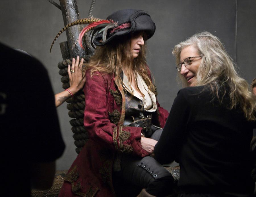Les stars posent pour Annie Leibovitz pour les campagnes marketing Disney - Page 3 5635211574_f5b08097ec_o