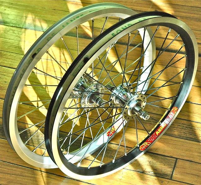 Jante et rayon : améliorer les roues du Brompton - Page 8 5209548078_9df9455873_z