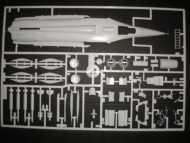Dassault Rafale A [Heller réf. 80421 et 60421] 5446605000_5a464d85c8_z