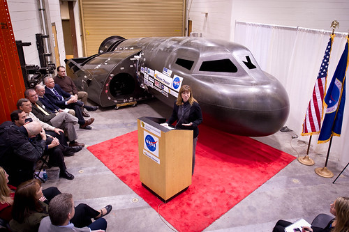 NASA Deputy Administrator Tours Sierra Nevada Space Systems' Dream Chaser (201102050006HQ)