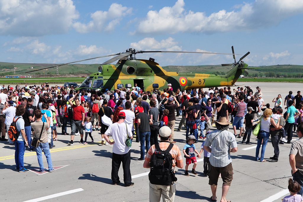 Cluj Napoca Airshow - 5 mai 2012 - Poze - Pagina 2 7007526282_a64c0c13c6_o