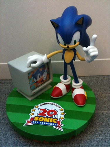 Sonic 20th Anniversay Numbered Statue - 900 pieces. 5836499831_c92eecf007