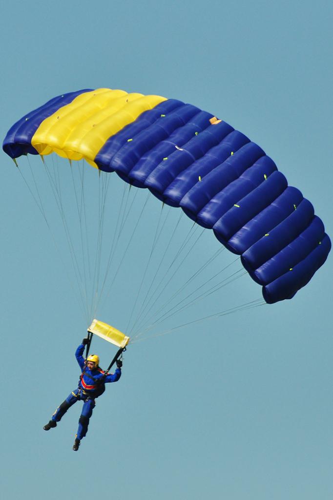 Cluj Napoca Airshow - 5 mai 2012 - Poze - Pagina 2 7153649201_57b4c04158_o