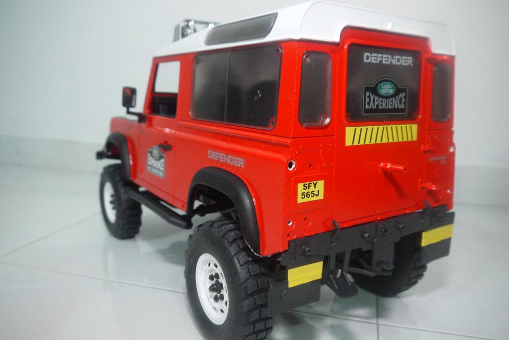 land - Babyboy's Land Rover Defender D90 on Axial SCX10 9410352988_8a7fe5fdd9_b