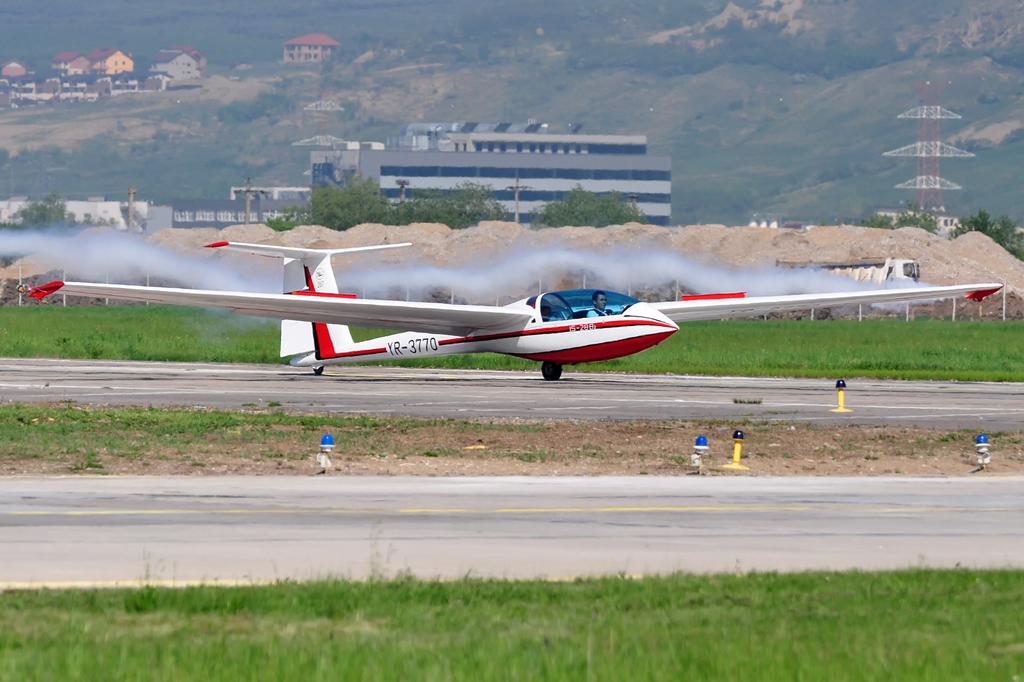 Cluj Napoca Airshow - 5 mai 2012 - Poze - Pagina 2 7153650051_f2fd8911e5_o