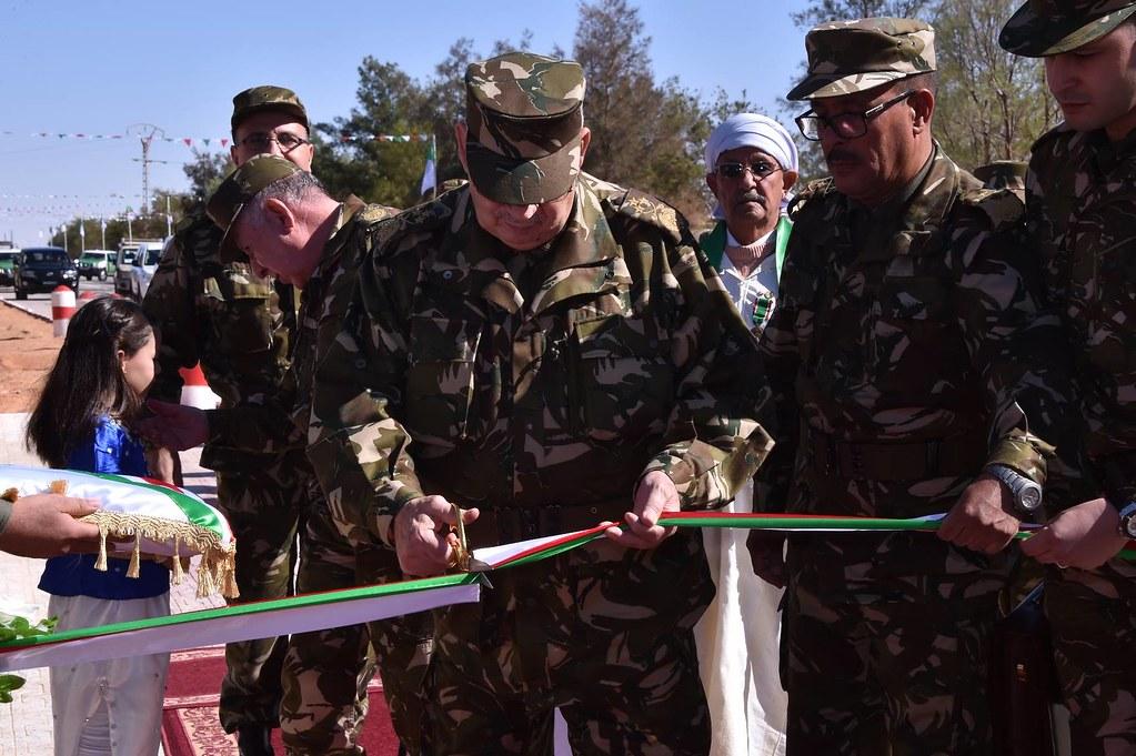الجزائر : صلاحيات نائب وزير الدفاع الوطني - صفحة 6 30879575626_d7ab53fa86_b