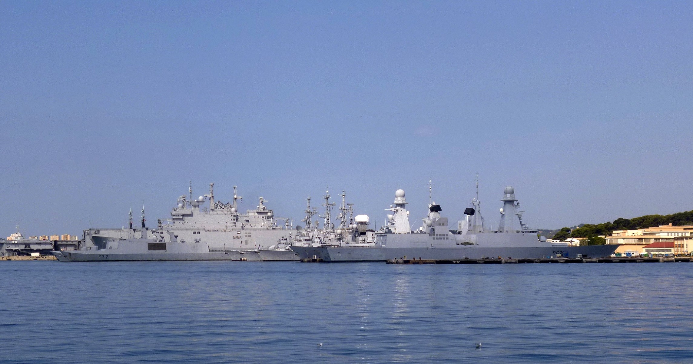 Les news en images du port de TOULON - Page 37 9562252979_dce7cbf4a0_o