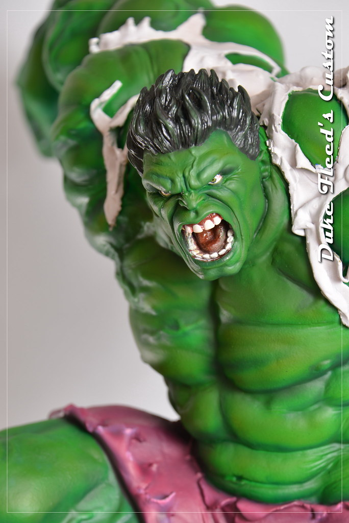 Red to green hulk comiquette 9765050784_35976f5494_b