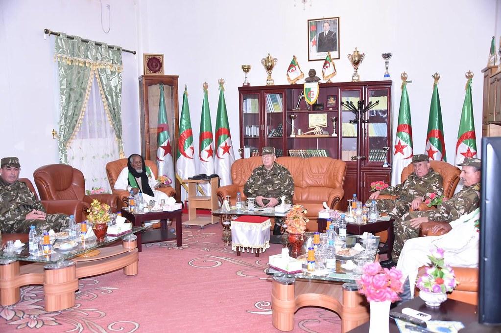 الجزائر : صلاحيات نائب وزير الدفاع الوطني - صفحة 6 30879571616_3e7689b676_b