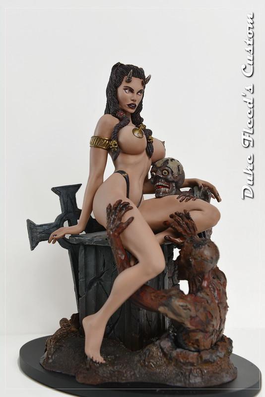 1/6 Demon Queen  10842820226_2e3fd8023a_c
