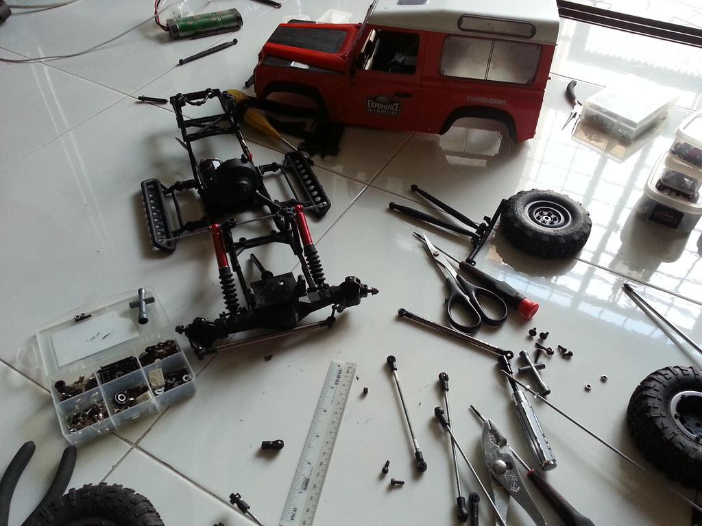 land - Babyboy's Land Rover Defender D90 on Axial SCX10 10523987155_cc8b132205_b