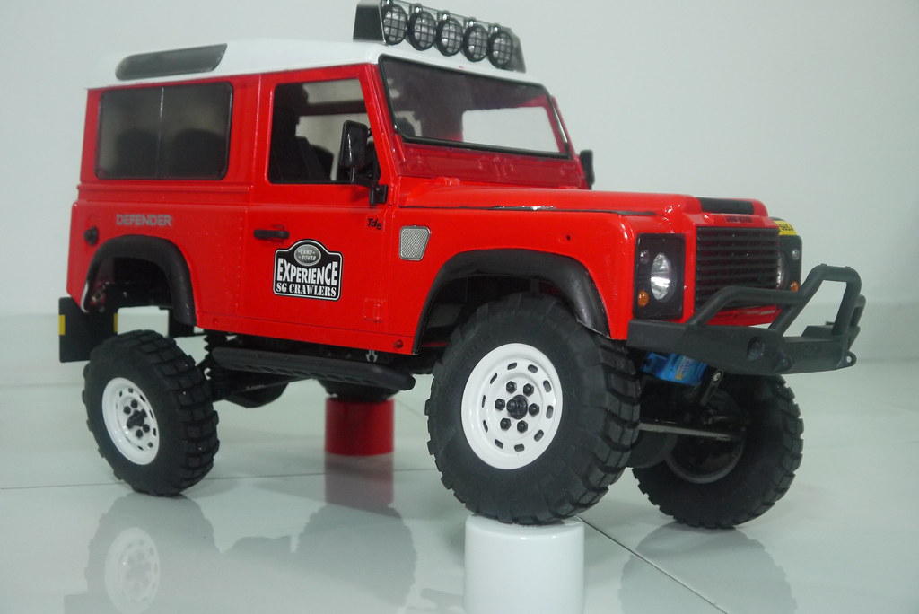 land - Babyboy's Land Rover Defender D90 on Axial SCX10 9410349888_3acd52a986_b