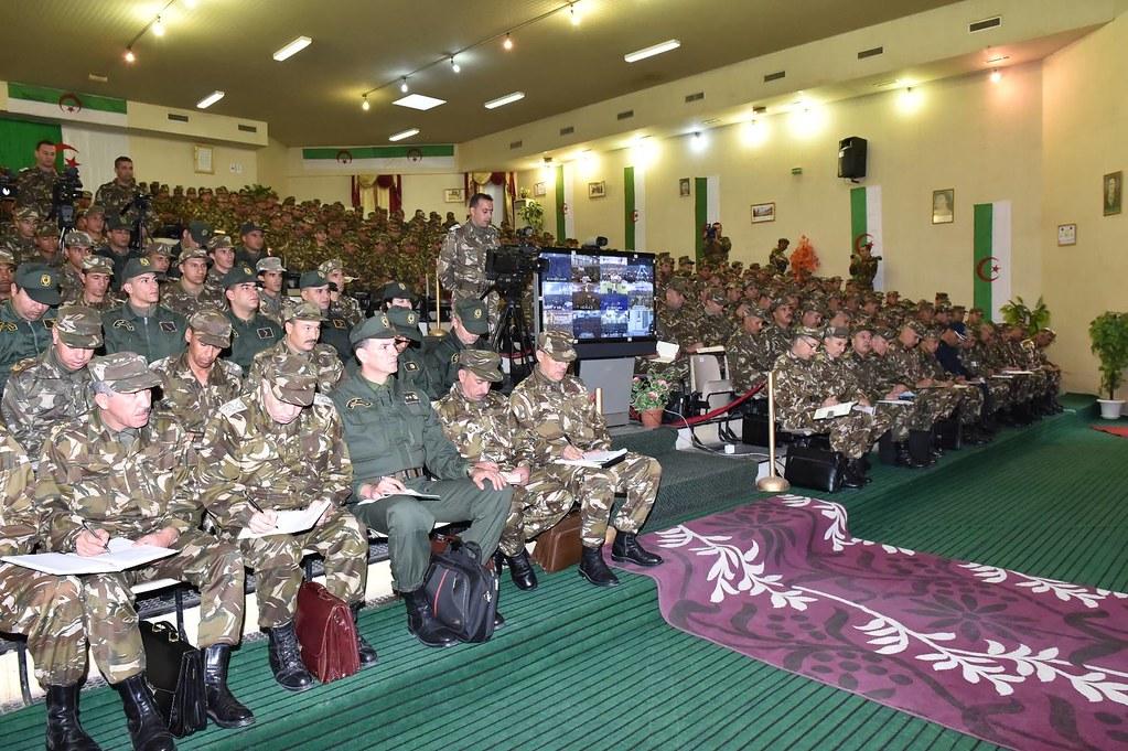 الجزائر : صلاحيات نائب وزير الدفاع الوطني - صفحة 6 30799456802_12dcefcf52_b